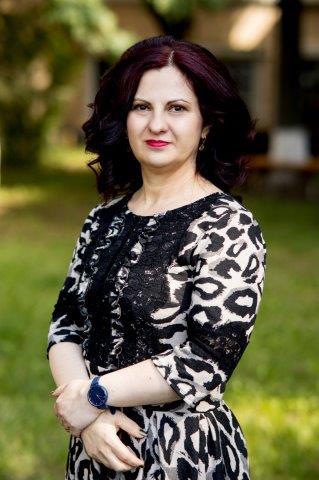 Casian Alina, Ionela